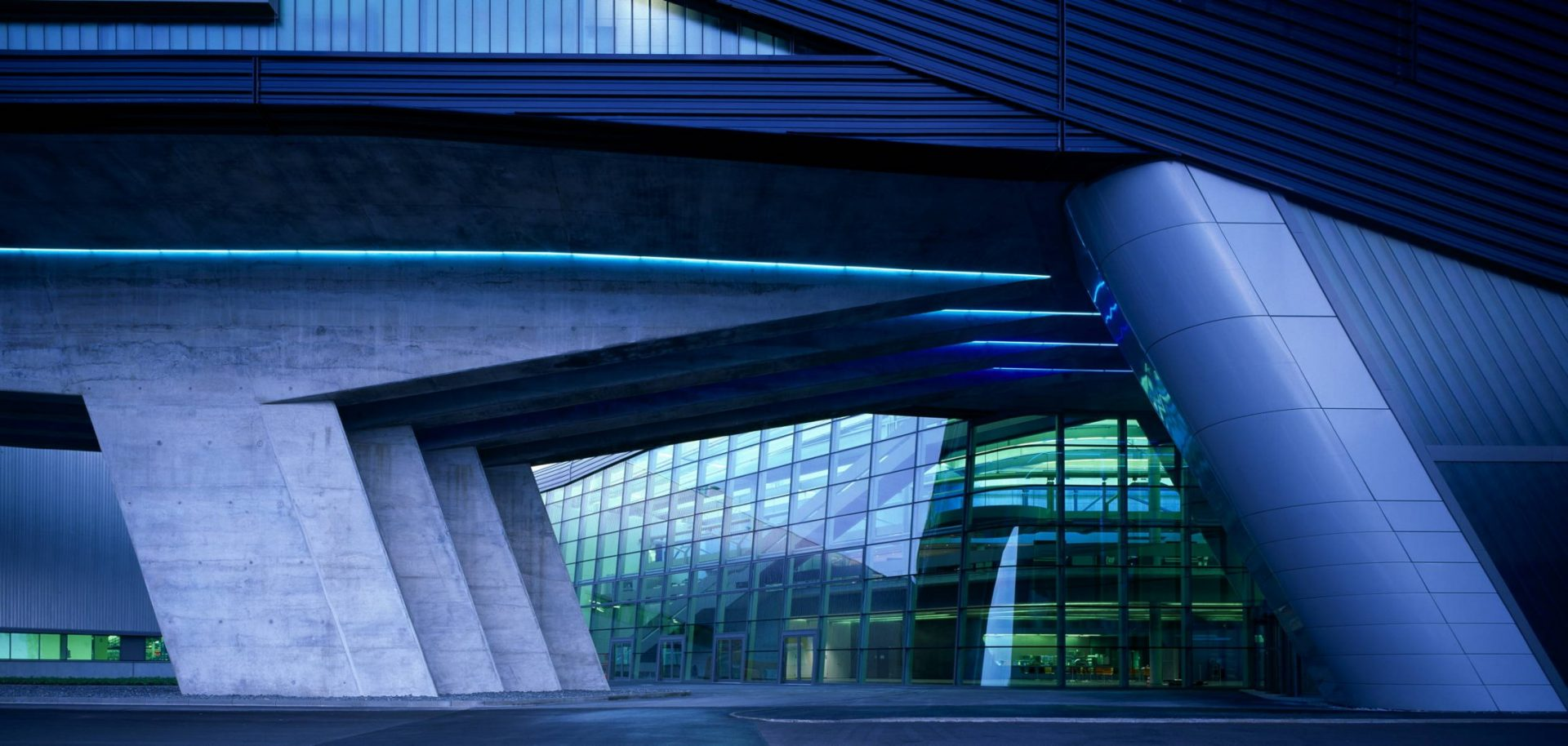 Zaha Hadid S Bmw Central Building In Leipzig Germany