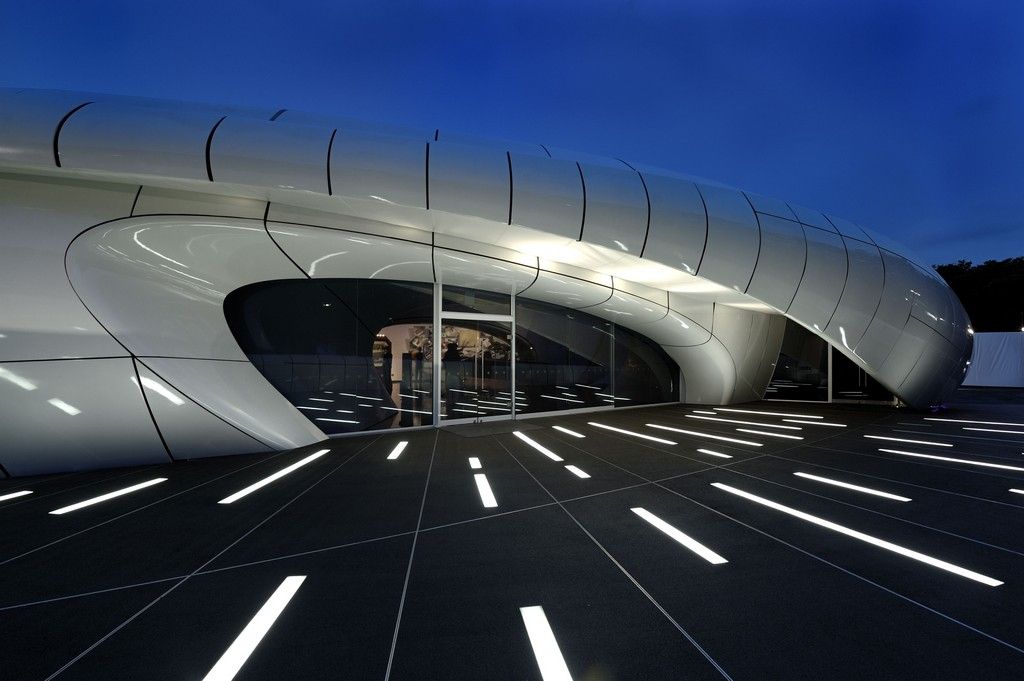 Organic Form For CHANEL Mobile Art Pavilion By Zaha Hadid