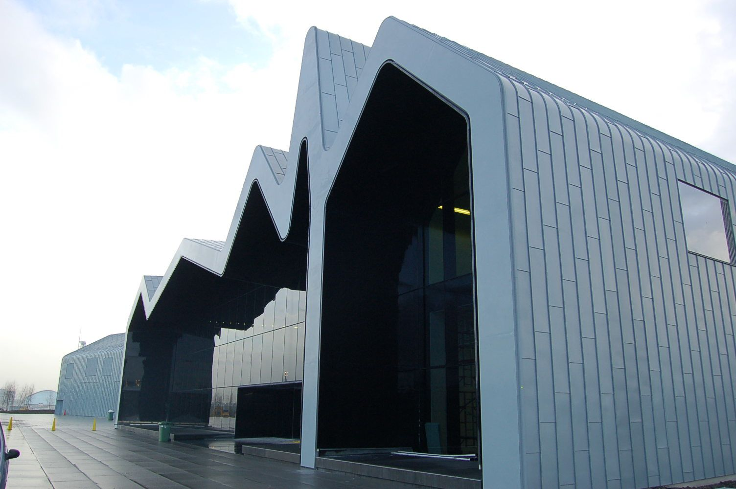 glasgow riverside museum of transport completed zaha hadid. Black Bedroom Furniture Sets. Home Design Ideas