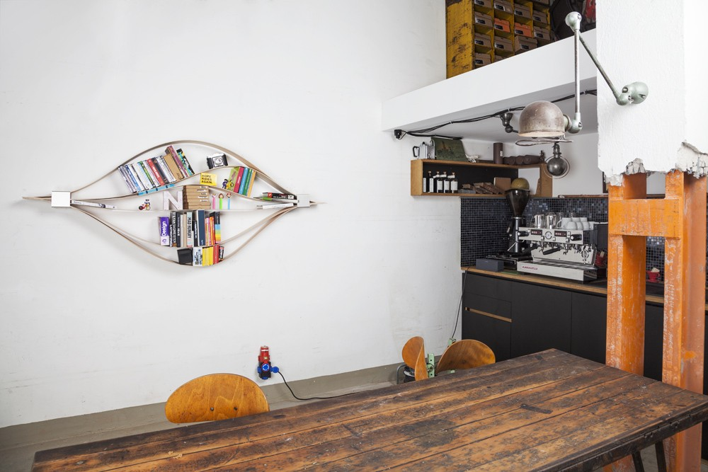 Wooden Wall Shelf Chuck 06