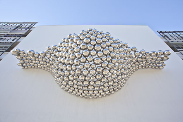 Cradle Mirror Polished Stainless Steel Spheres Installation 03
