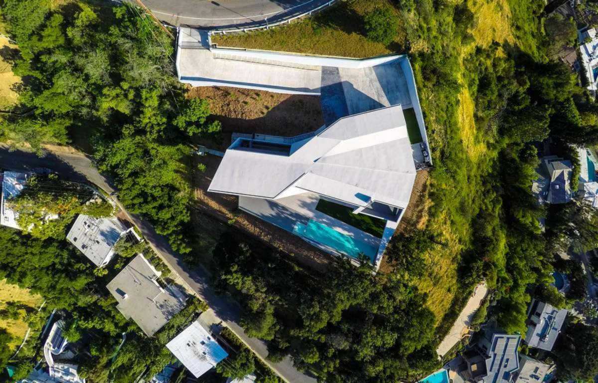 Arshia Architects MU77 sculptural house Hollywood Hills
